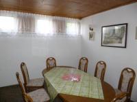 salonek 1.NP (Prodej nájemního domu 560 m², Chroboly)