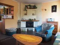 Obývací pokoj apartmámu. (Prodej penzionu 551 m², Nezdice na Šumavě)