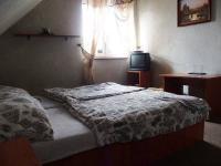 Dvoulůžkový pokoj. (Prodej penzionu 551 m², Nezdice na Šumavě)