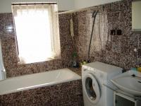 Koupelna (Prodej domu v osobním vlastnictví 85 m², Zlukov)