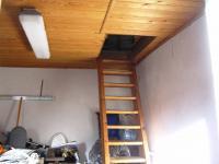 Dílna, schody na půdu (Prodej domu v osobním vlastnictví 85 m², Zlukov)