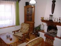 Pokoj s krbem (Prodej domu v osobním vlastnictví 85 m², Zlukov)