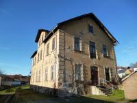 Prodej komerčního objektu 700 m², Husinec