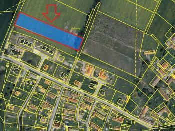 Prodej pozemku 4941 m², Cetoraz