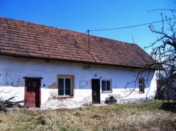 Dům pohled ze dvora - Prodej domu v osobním vlastnictví 96 m², Myslkovice