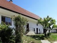 Pohled ze dvora (Prodej domu v osobním vlastnictví 384 m², Lodhéřov)