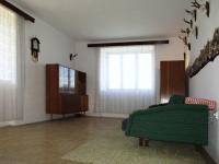 1. pokoj (Prodej domu v osobním vlastnictví 384 m², Lodhéřov)