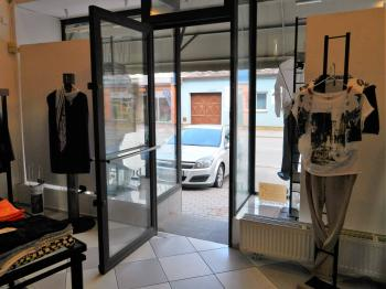 Interiér obchodu. - Prodej domu v osobním vlastnictví 520 m², Milevsko