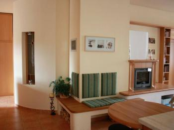 Pohled do luxusního bytu s 2 koupelnami a 2 wc. - Prodej domu v osobním vlastnictví 520 m², Milevsko