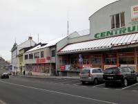 Market s bankomatem na Masarykově třídě. - Prodej domu v osobním vlastnictví 520 m², Milevsko