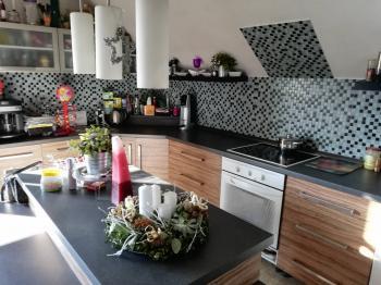 Kuchyně v 1. patře. - Prodej domu v osobním vlastnictví 252 m², Sedlice