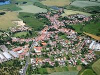 Letecký pohled na město. - Prodej domu v osobním vlastnictví 252 m², Sedlice
