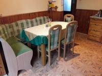 Jídelní kout. - Prodej domu v osobním vlastnictví 252 m², Sedlice