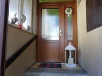 Hlavní vchod. - Prodej domu v osobním vlastnictví 252 m², Sedlice