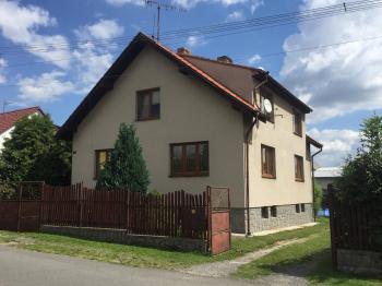 Celkový pohled. - Prodej domu v osobním vlastnictví 252 m², Sedlice