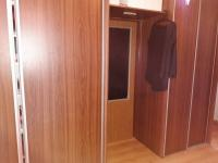 Vestavěné skříně. - Prodej domu v osobním vlastnictví 252 m², Sedlice