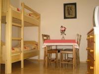 V podkroví se nachází tři apartmány (Prodej penzionu 220 m², Strážný)