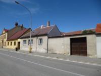 pohled na dům z ulice (Prodej domu v osobním vlastnictví 256 m², Kardašova Řečice)