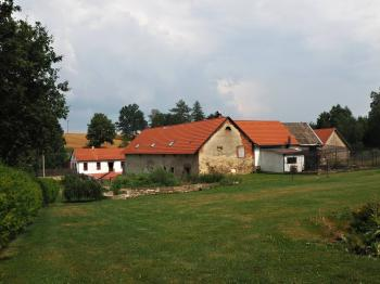 Pohled ze zahrady na obytnou část - Prodej chaty / chalupy 650 m², Blažejov