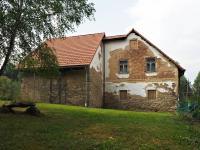 Pohled na vejminek z bývalého výběhu proklokany - Prodej chaty / chalupy 650 m², Blažejov