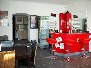 Prodej restaurace 910 m², Studená