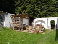 Pergola na dvoře - Prodej zemědělského objektu 350 m², Černá v Pošumaví