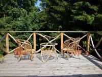 Nevšední terasa v úrovni stromů (Prodej zemědělského objektu 350 m², Černá v Pošumaví)