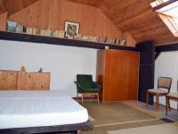 Pokoj v podkroví - Prodej zemědělského objektu 350 m², Černá v Pošumaví