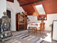 Hala v 2. NP - Prodej domu v osobním vlastnictví 230 m², Černá v Pošumaví