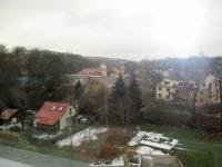 pohled z okna kuchyně (Prodej bytu 2+1 v osobním vlastnictví 49 m², Praha 9 - Hrdlořezy)
