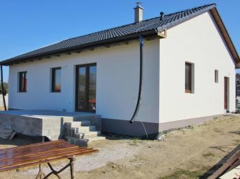Prodej domu v osobním vlastnictví 135 m², Želeč