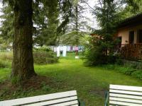 Před rodinným domem. - Prodej hotelu 2809 m², Dobronice u Bechyně