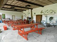 Krytá terasa restaurace. - Prodej hotelu 2809 m², Dobronice u Bechyně