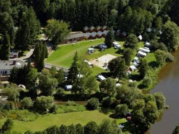 Letecký pohled na kemp. - Prodej hotelu 2809 m², Dobronice u Bechyně