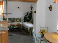 kuchyně a obývák bytu. - Prodej domu v osobním vlastnictví 551 m², Nezdice na Šumavě