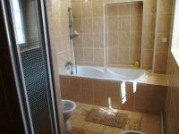 koupelna bytu. - Prodej domu v osobním vlastnictví 551 m², Nezdice na Šumavě