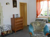 obývací pokoj bytu. - Prodej domu v osobním vlastnictví 551 m², Nezdice na Šumavě