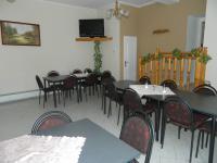 Jídelna. - Prodej domu v osobním vlastnictví 551 m², Nezdice na Šumavě
