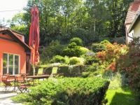 Pohoda a klid na zahradě. - Prodej domu v osobním vlastnictví 551 m², Nezdice na Šumavě