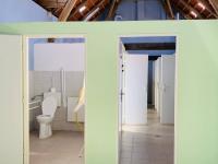 Bezbariérové wc. - Prodej komerčního objektu 84774 m², Hluboká nad Vltavou