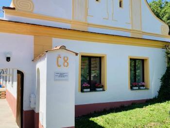 Prodej zemědělského objektu, 1250 m2, Hluboká nad Vltavou