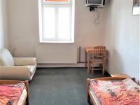 2/3 lůžkové pokoje - Prodej hotelu 1530 m², Jemnice