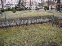 předzahrádka s pohledem do parku (Prodej bytu 4+1 98 m², Litvínov)