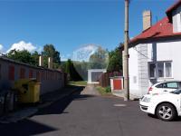 příjezd do zahrady - Prodej domu v osobním vlastnictví 150 m², Lom