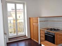 vstup na balkon z kuchyně (Prodej bytu 2+1 v osobním vlastnictví 68 m², Praha 4 - Nusle)