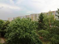 severovýchodní pohled z kuchyně a pokoje (Prodej bytu 2+1 v družstevním vlastnictví 67 m², Praha 4 - Kamýk)