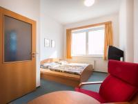 pokoj (2x) (Prodej komerčního objektu 2000 m², Strančice)