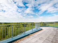 výhled z východní terasy (Prodej komerčního objektu 2000 m², Strančice)