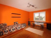 ložnice 1 (Prodej domu v osobním vlastnictví 190 m², Mladá Boleslav)