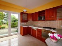 Kuchyňský kout se vstupem na zahradu (Prodej domu v osobním vlastnictví 190 m², Mladá Boleslav)